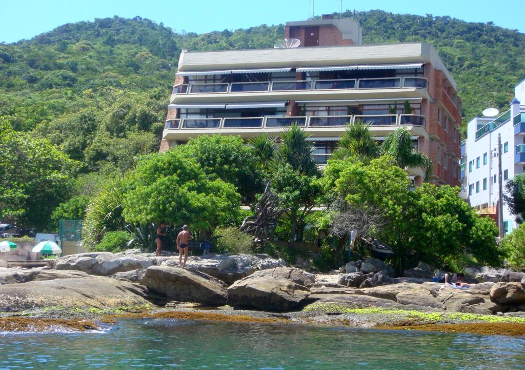 Apartamento na Praia do Embrulho - Rodacki Imóveis